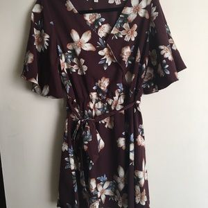 A-line V-neck floral dress with flowy sleeves